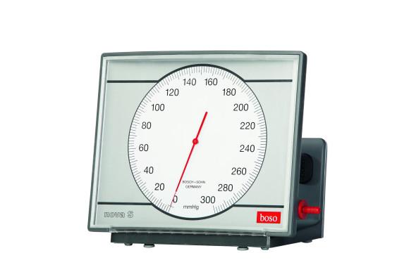 boso nova S | Wandmodell | Blutdruckmessgerät | Ø 120 mm